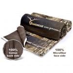 towel-advert_8306ecef-456e-4f4a-a9e6-0b9af91a6e25_1024x1024